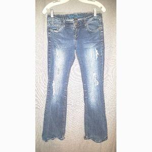 Ariya Jeans distressed flare juniors jean size 5/6